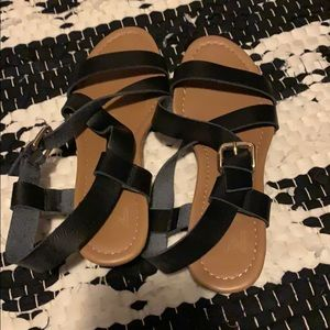 New Direction Black Sandals Size 7
